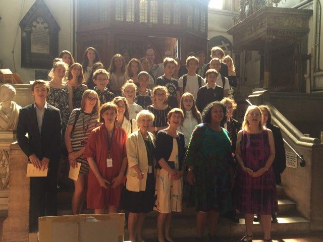 Les jeunes des échanges à la Mairie de Bristol